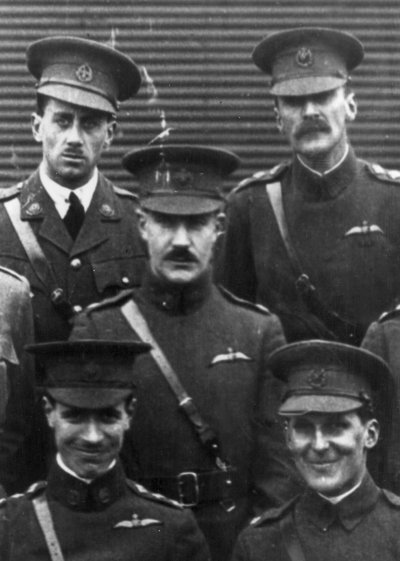 Air Marshal Sir Patrick Playfair (centre)