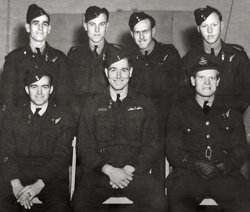 Group Photo of No 433 Sqn crew