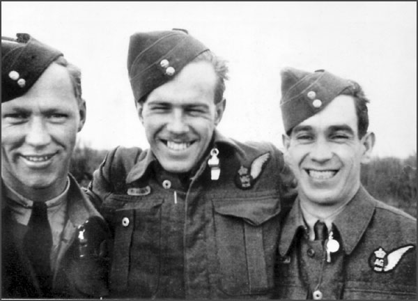 Roland Wallace (Rear Gunner), Vic Swimmings (Radio Operator), and Harold Edwards (Mid Upper Gunner).