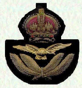 Officers' cap badge - Officers below Air Rank (King's Crown)